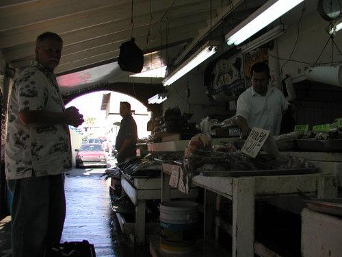 Ensenadas_mercado_de_mariscos_10302007